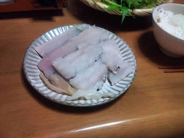 はも鍋を通販で購入、夜ご飯にいただきました。今週はクタクタなので、ちょっと贅沢させてもらってリフレッシュさせてもらいます。気温は高くなってきましたが、たまには鍋もいいですね。出汁もよく、最後まで美味しくいただきました。@otoriyose_yuuri #鍋