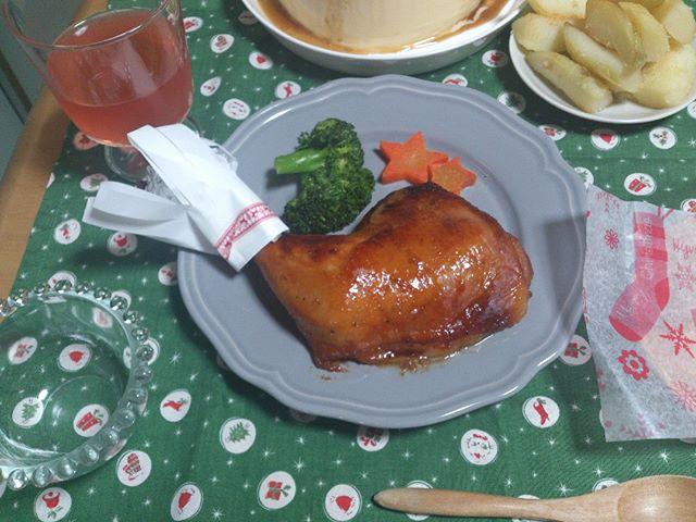 クリスマス・イブ。ということで奥様が腕をふるい、手料理を作ってくれました。ありがたや