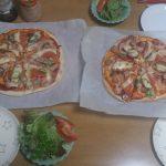 本日のお昼はピザなり。奥様が作ってくれました。