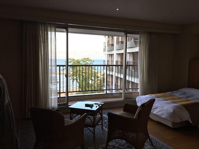 こちらが宿泊するお部屋の写真です。ホテルの都合だそうですが予約していたよりもワンランクグレードアップしてくれたそうなありがたい。料金もグレートアップしないこと祈るばかり