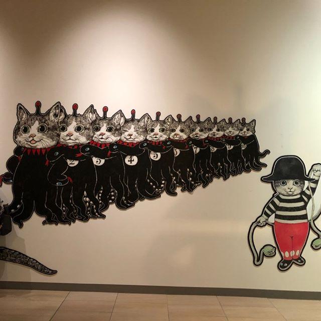 六甲アイランドのヒグチユウコさんの展示会にて。これは写真オッケーの場所で撮影した、ギュスターブ君